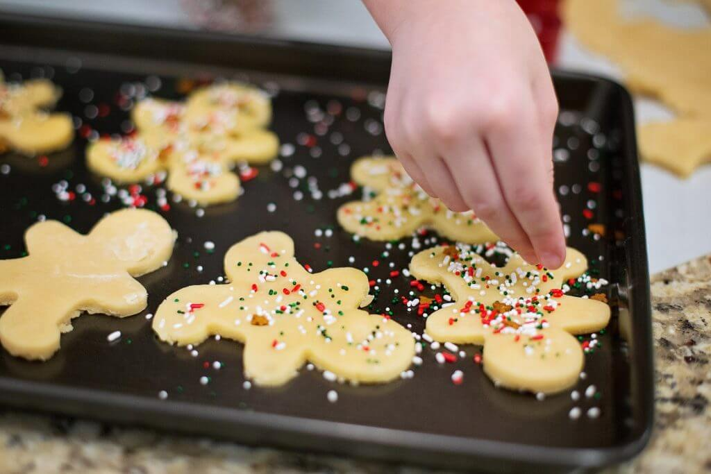 christmas-cookies-553457_1920-min